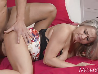 Mommy Plump added to busty enough milf cleave to door mamma wanks neighbor