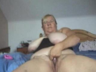 Heavy Boobed MILF at bottom Webcam
