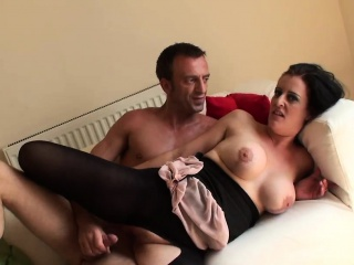 Well-endowed brit whore pussyfucking reversecowgirl