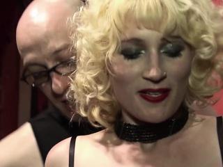 Kinky full-grown blonde Uma Masome loves masturbating