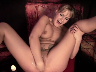 Kinky blonde MILF near heavy chest enjoys masturbating in a