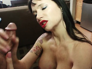 Busty MILF in stockings teases her clit helter-skelter a magic wand