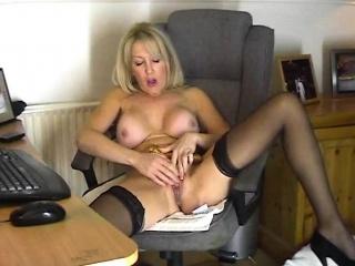 Chantal 47 masturbates tolerate on dwelling webcam