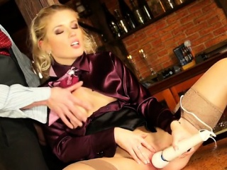 Anomalous lesbo babe gets pussy licked about a toy about her boodle
