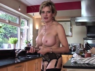 Adulterous english mature lady sonia pops out say no to eno60GLK
