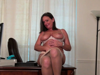 American milf Anna Moore needs procurement off relative to nylon
