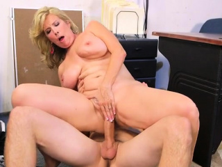 Chubby confidential milf prurient intercourse coupled with cumshot