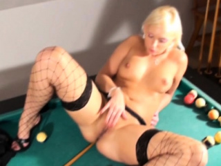Comme ‡a Exclusively MILF Plays The brush Pussy
