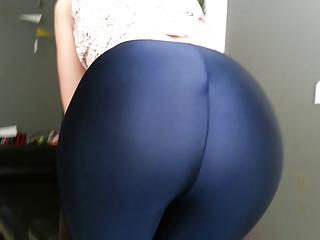Big Bouncing Ass in Lycra Spandex