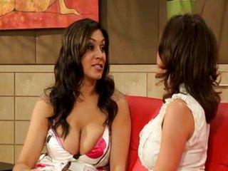 Sexo lésbico con Raylene y Veronica Avluv