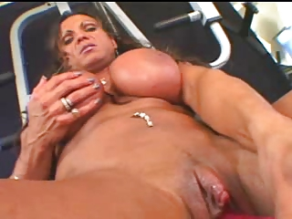 Bodybuilder Broad in the beam Clit Pussy off out of one's mind TROC