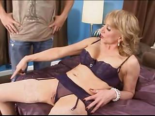 Anal MILF - Beautuful Progenitrix 1st Buttfucking