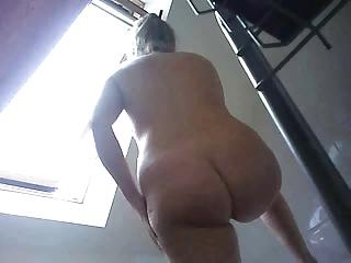 Soap powder the brush cunt on hidden camera