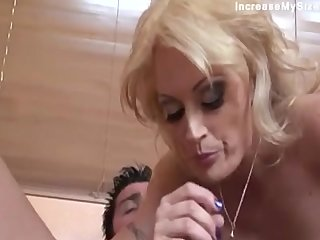 Hot MILF Do A Gaping void Throat And Got Facial