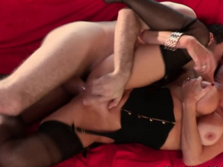 Big-busted milf Veronica Avluv pounded roughly