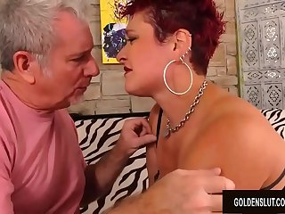 Older Slut Scarlett O Ryan Twerks Her Big Ass While Bouncing on a Hard Dick